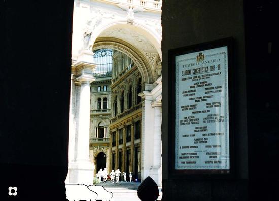Galleria Umberto I, dal San Carlo - Napoli (2065 clic)