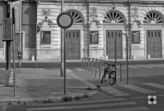 Petruzzelli in pausa - Bari (398 clic)