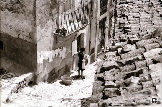 in un giorno di sole, Pizzo '69 - Modica (4216 clic)