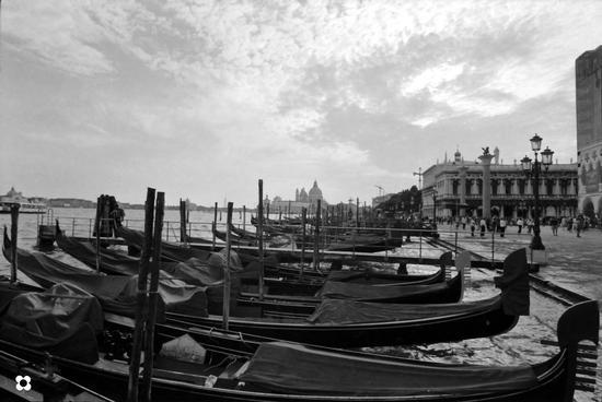 Gondole '99 - Venezia (1104 clic)