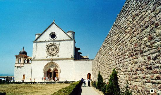 La Cattedrale di San Francesco - Assisi (1950 clic)
