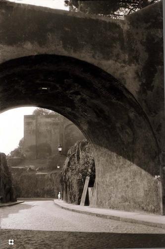dal Campidoglio si scende ai Fori Imperiali - Roma (1605 clic)