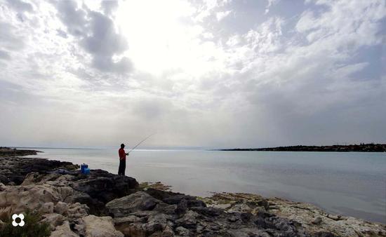pescatore - Marina di modica (1372 clic)