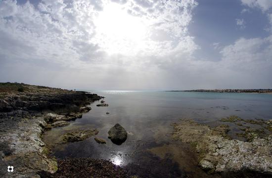 paesaggio con riflesso - Marina di modica (2127 clic)