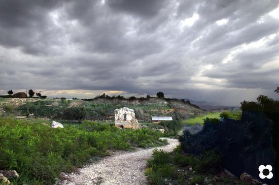 sito archeologico di morgantina, verso il teatro (2838 clic)