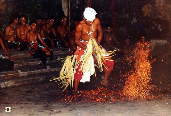 Bali, ballo Ketchac (706 clic)