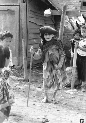 bisnonna indigena (729 clic)