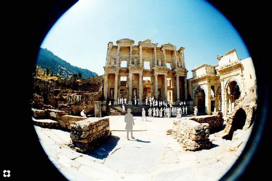 Kusadasi, Efeso, Biblioteca con fisch eyes (751 clic)