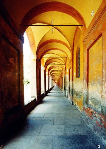 San Luca, Il Portico con 666 archi - Bologna (4072 clic)
