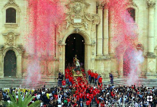 San Giorgio, la festa - Modica (3308 clic)