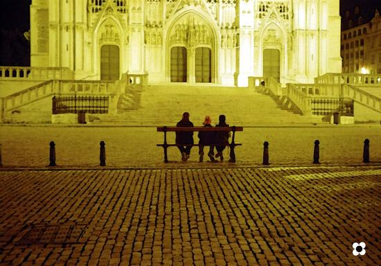 ammirando la Cattedrale St. Michel et Gudula a Bruxelles (427 clic)