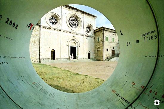 Assisi 2003, Chiesa di San Pietro (1450 clic)