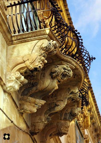 Scicli, Palazzo Beneventano, particolare (3609 clic)