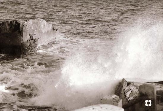 luce e onda - Portopalo di capo passero (2540 clic)