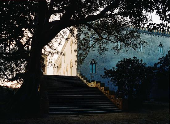 Il Castello di Donnafugata, dal giardino. (2501 clic)