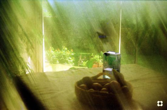luce sul tavolo - Modica (2127 clic)