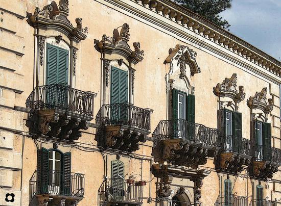 Palazzo Manenti      - Modica (3412 clic)