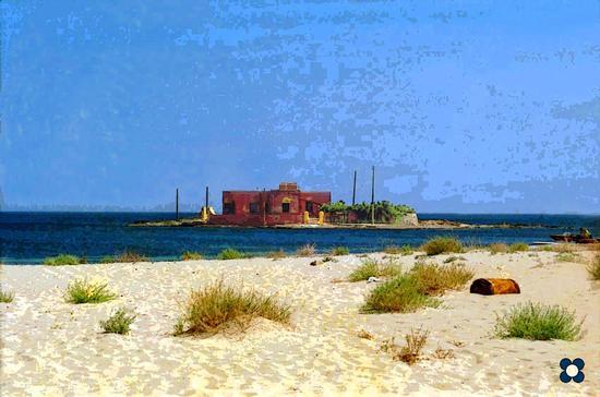 casa rossa in un giorno d'inverno - Marzamemi (1252 clic)