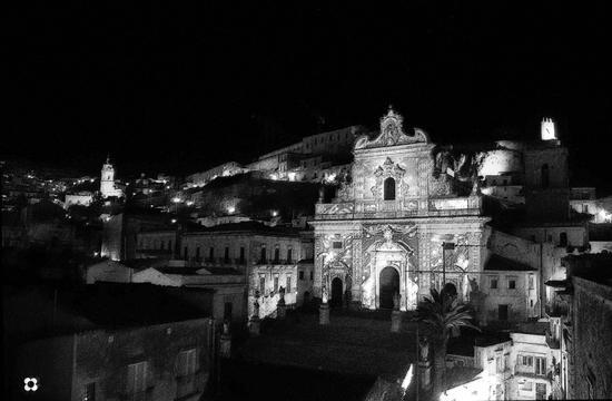 Modica di notte, foto di qualche anno fa (180 clic)