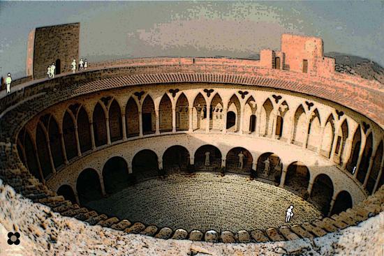sagome in visita al Castello di Bellver a Palma di Maiorca (673 clic)