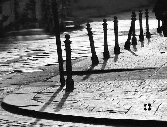 controluce in una traversa di Via Etnea - Catania (2404 clic)
