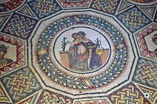 Mosaici particolare, Bacco - Piazza armerina (1782 clic)