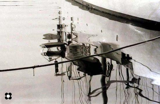 riflessi sul porto - Formia (1220 clic)