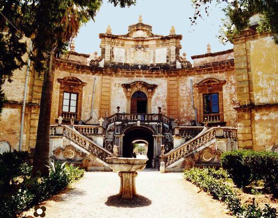 Villa Palagonia, la Villa e il Giardino  - BAGHERIA - inserita il 06-Jul-11