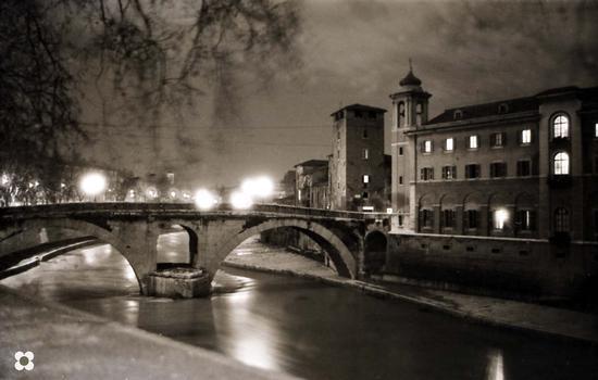 Isola Tiberina negli anni sessanta - Roma (3916 clic)