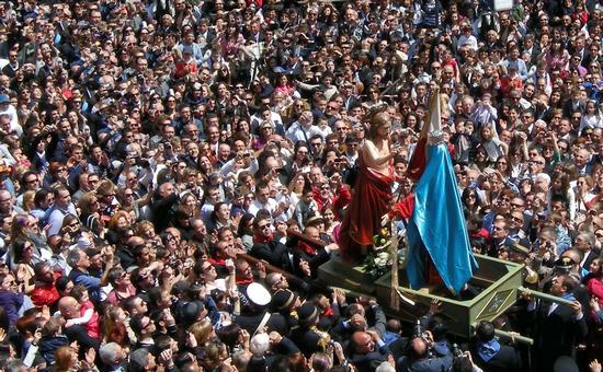 Pasqua 2011 a maronna vasa vasa a Modica (3381 clic)