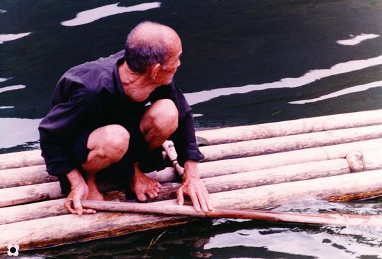 Il vecchio e il fiume Guangxi (665 clic)