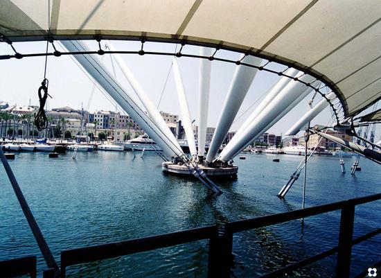 Il Porto, tensostrutture di Renzo Piano | GENOVA | Fotografia di Enzo Belluardo