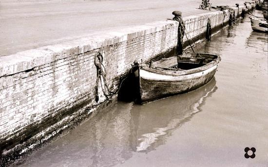 barca nel porto - San benedetto del tronto (2240 clic)