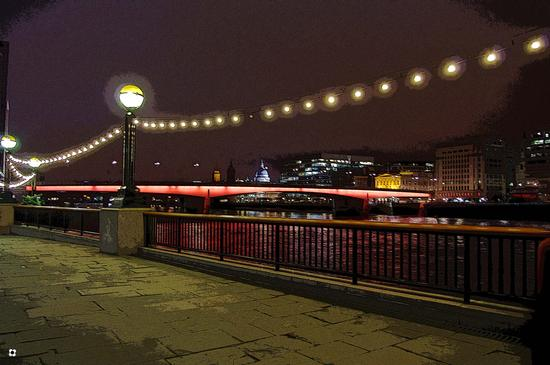 London Bridge (504 clic)