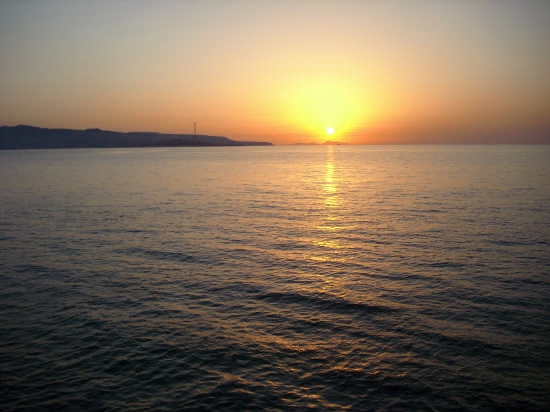Il sole tramonta sulle Isole Eolie - Lungomare di Scilla (4715 clic)