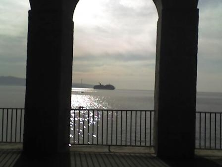 Nave da crociera al tramonto - Scilla (6757 clic)