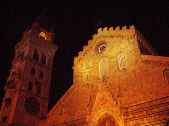 Messina, il Duomo (1617 clic)