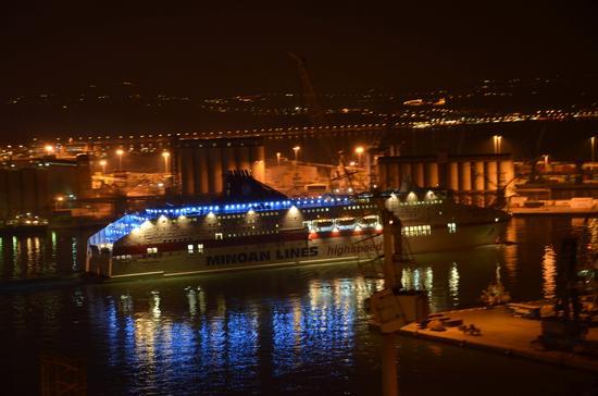 Notturno...porto!! - Ancona (3089 clic)