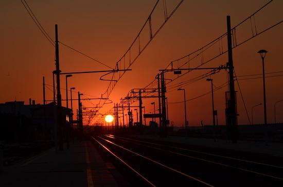 Binari al tramonto - Marina (3754 clic)