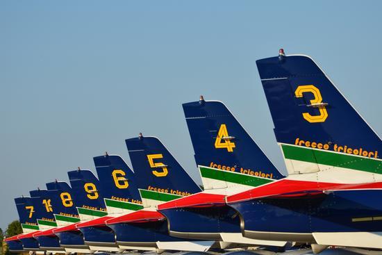 Pattuglia Acrobatica  Frecce Tricolori - Falconara marittima (5758 clic)