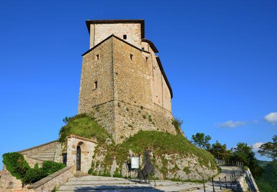 Castello di Frontone (2001 clic)