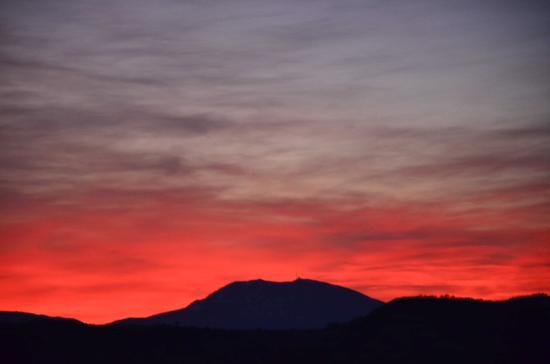 I vari colori del tramonto - Arcevia (2113 clic)