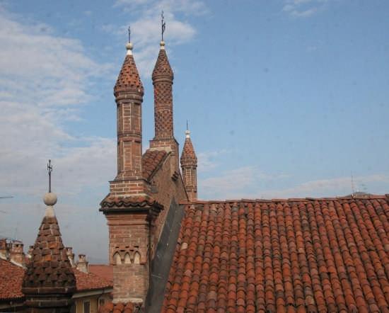 pinnacoli della chiesa del Carmine - Alessandria (4064 clic)