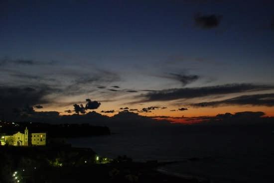 Vista dalla zona cannone di Tropea (2939 clic)