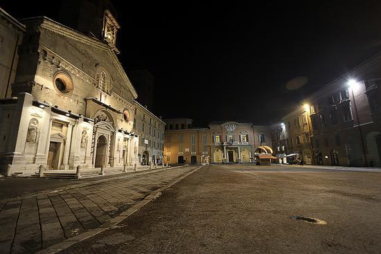 La città di notte - Reggio emilia (8014 clic)