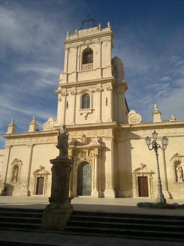 La chiesa madre di Avola (2601 clic)