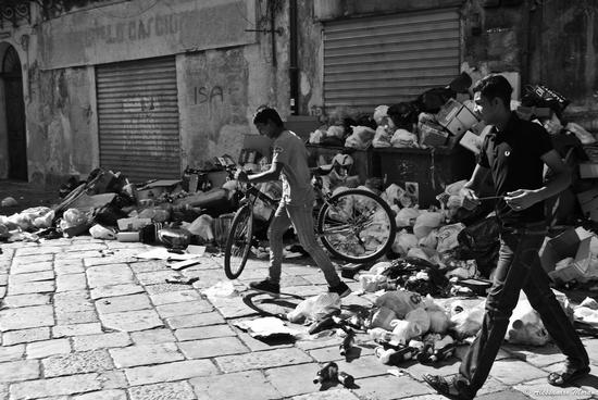 Rifiuti a Palermo (2768 clic)