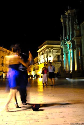 Ultimo tango a Siracusa (2222 clic)
