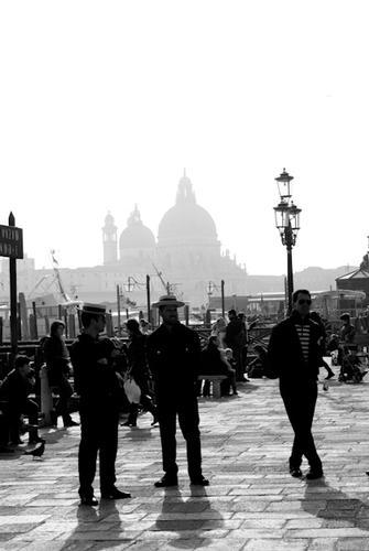Gondolieri - Venezia (2256 clic)