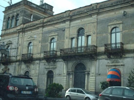 palazzo nobiliare - Linguaglossa (3929 clic)